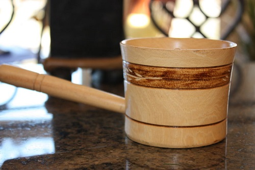 wooden-carved-rice-mold-server